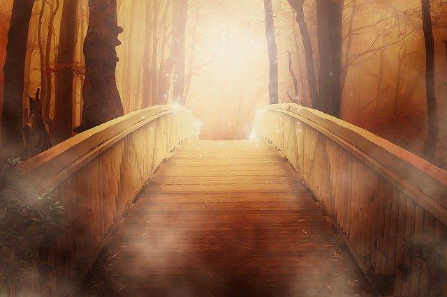 光に向かう橋